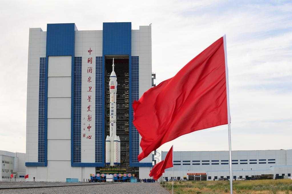 Une fusée prête à envoyer son premier équipage vers la station spatiale chinoise