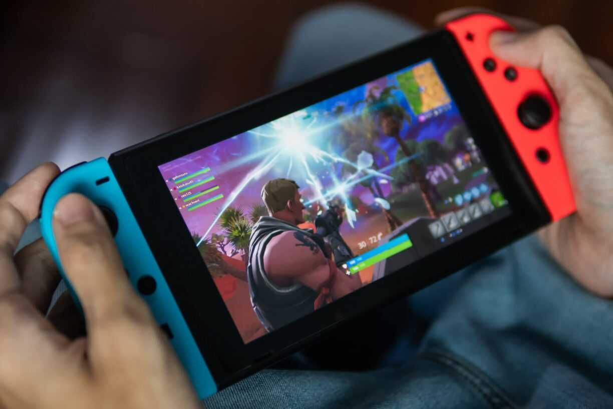 Two retailer leaks show the MSRP for the Nintendo Switch Pro and an imminent pre-order launch