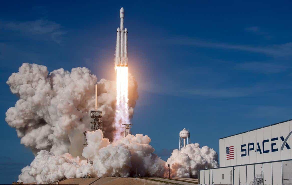 Deux missions de lancement de fusée Falcon Heavy reportées par l'armée américaine