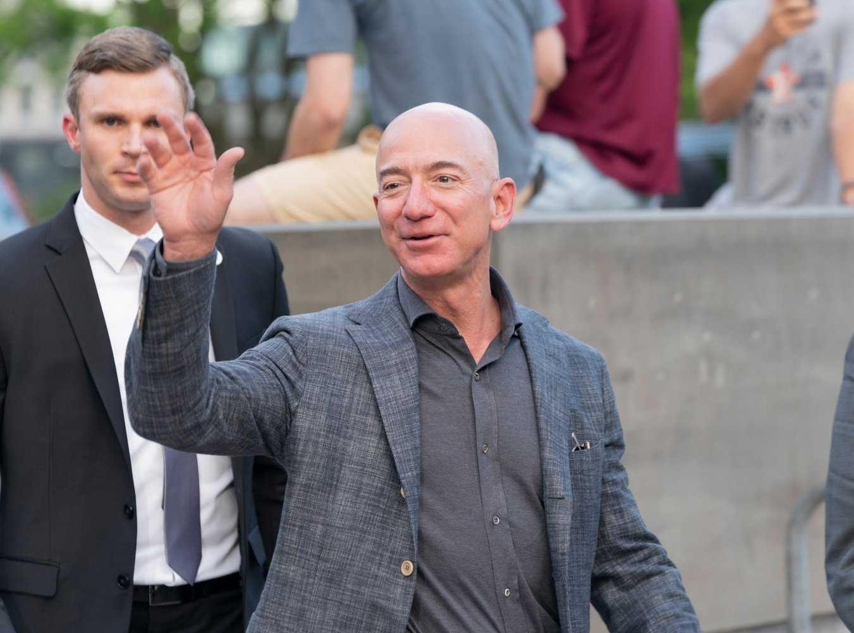 La première fusée habitée de Blue Origin a déjà un passager : Jeff Bezos lui-même