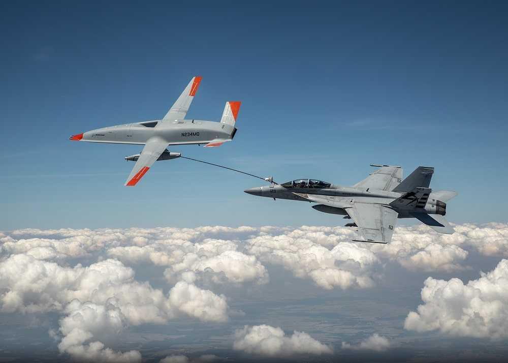 Les États-Unis utilisent un drone pour ravitailler un chasseur en vol
