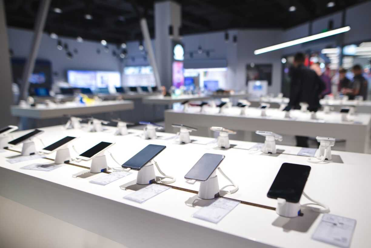 Worldwide smartphone sales grew 26 percent in the first quarter of 2021, but comparisons to 2020 aren