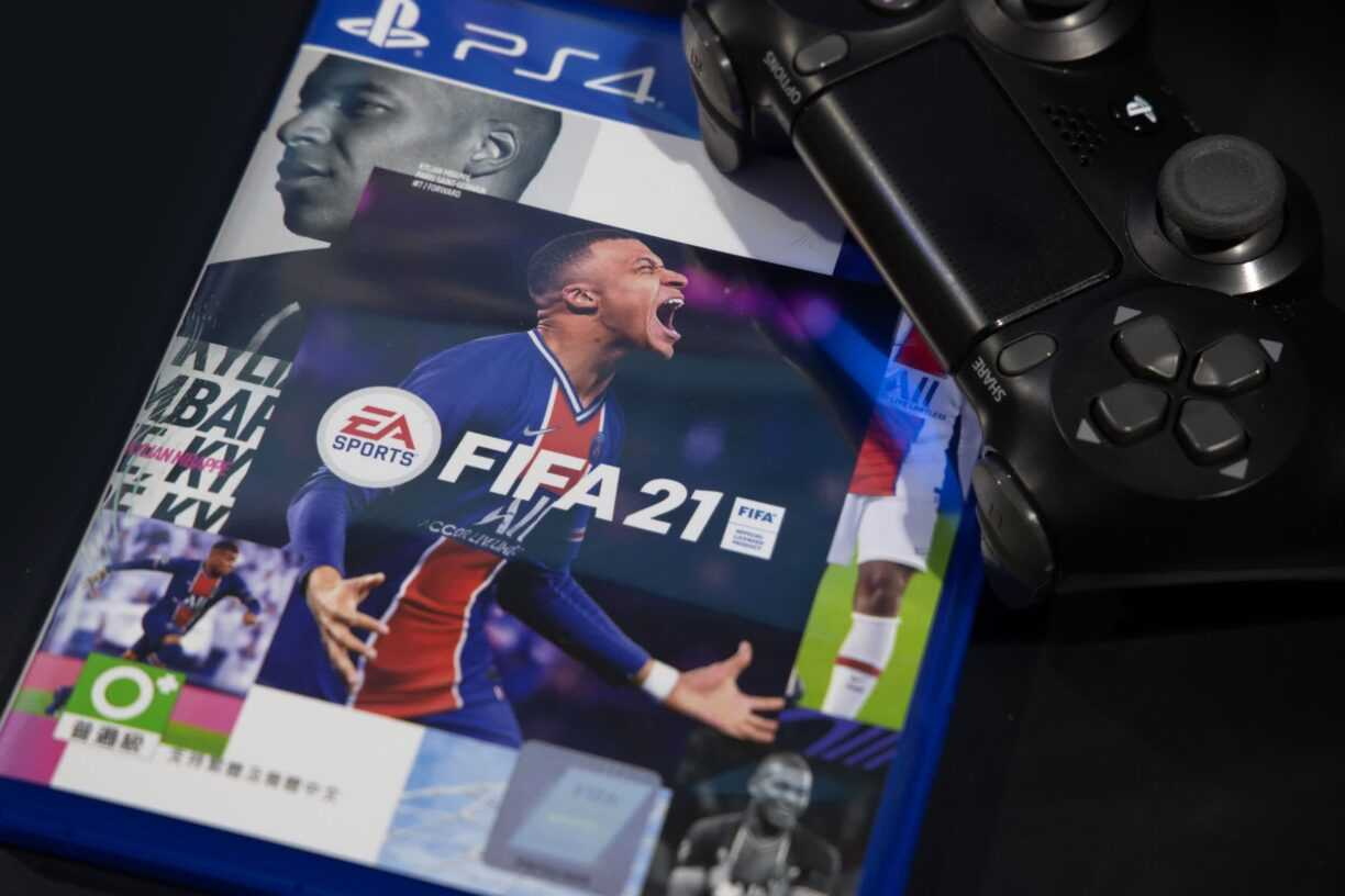 Hackers steal source code and more from Electronic Arts in massive data breach