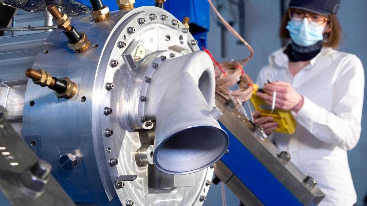 Rolls-Royce teste un puissant système de propulsion hybride-électrique pour l'aviation