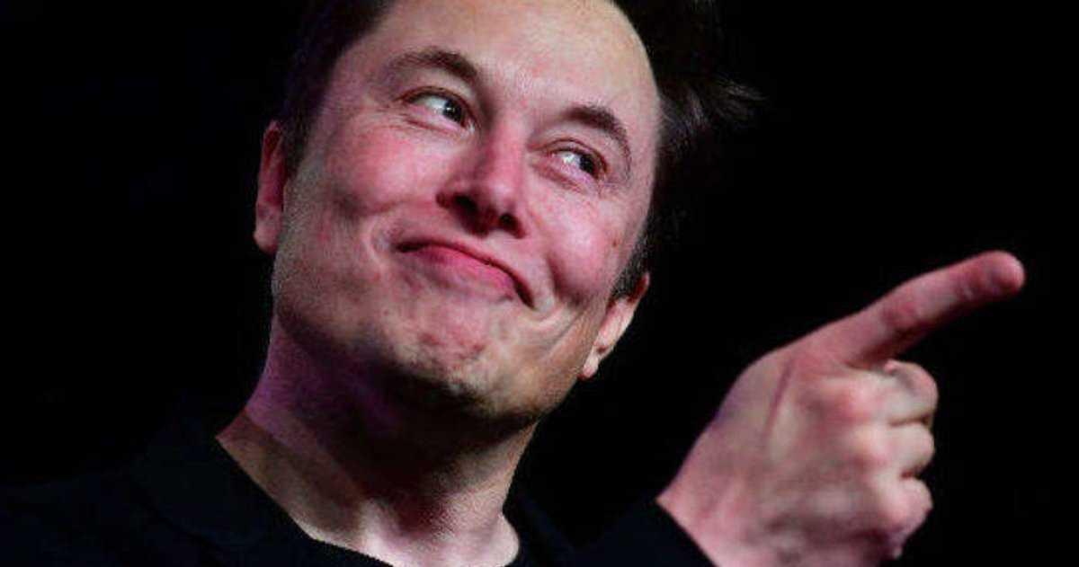 Tesla d'Elon Musk vous permet désormais de jouer au Cyberpunk 2077