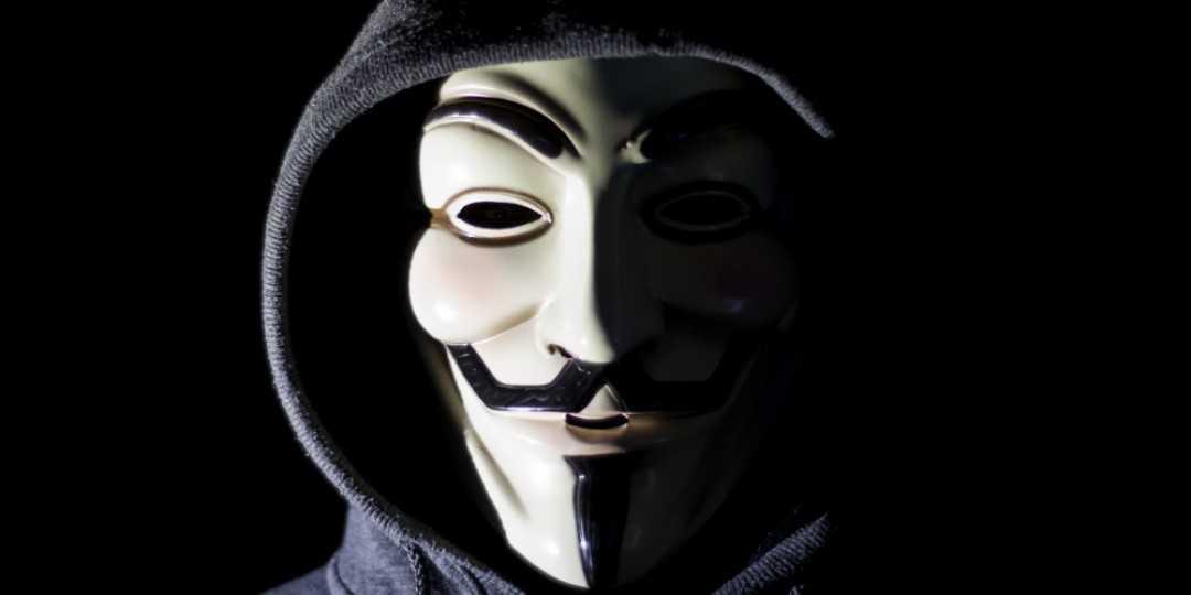 """""""Anonyme"""" a laissé une vidéo menaçant Elon Musk"""