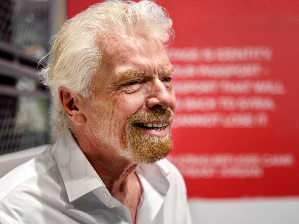 """""""Jeff qui?"""" Richard Branson taquine le candidat à la première place dans la course aérospatiale"""