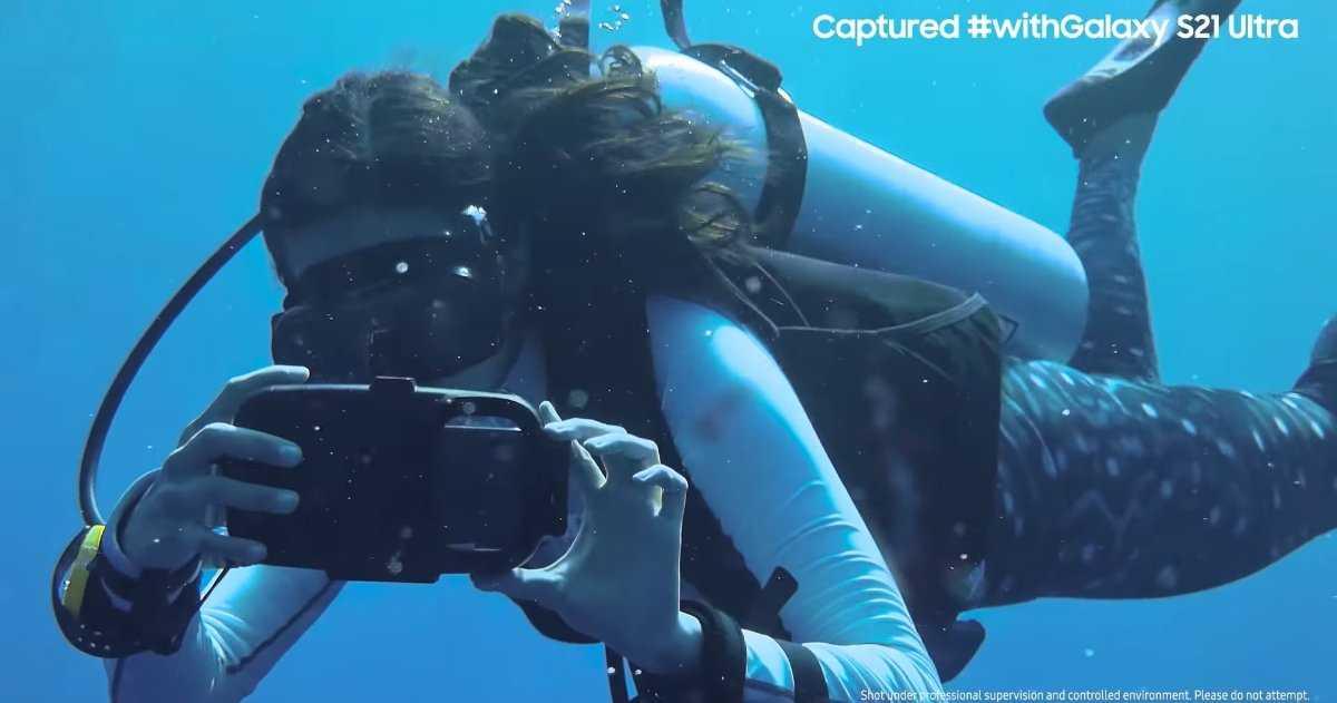 Cette vidéo sous-marine spectaculaire a été enregistrée à l'aide d'un Samsung Galaxy S21